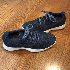 Allbirds Women's wool runners navy size 9